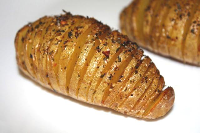 Pomme de terre «éventail» cajun