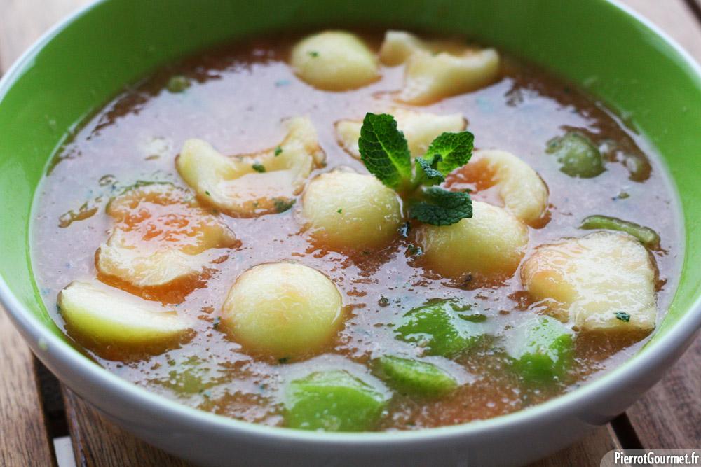 Soupe de fruits au pomelos